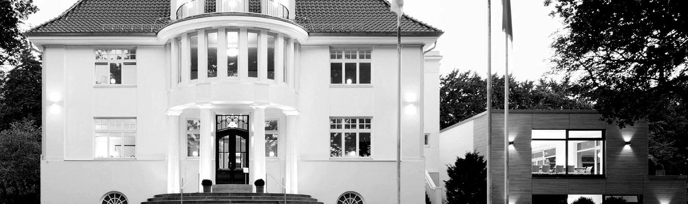 haus rissen institut f r internationale politik und wirtschaft. Black Bedroom Furniture Sets. Home Design Ideas